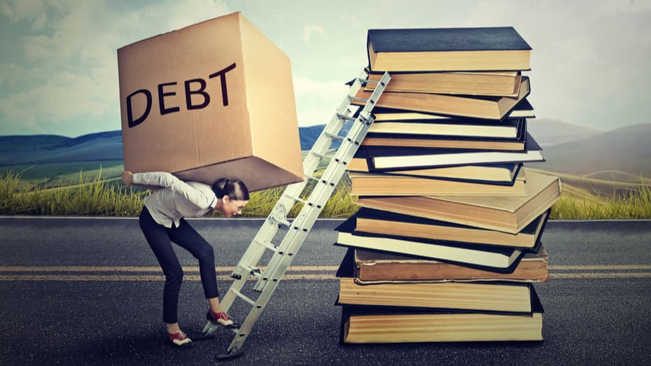 Smart Tactics to Manage Student Debt